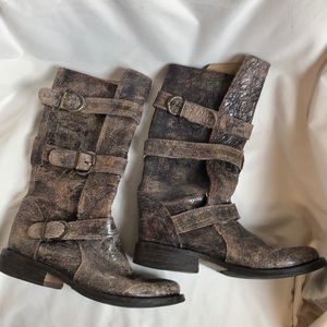 Steve Madden Crackled Leather Buck Boots Sz 7.5